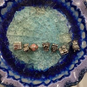 Pandora lot of 7 charms